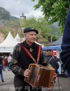 La foire de Tarascon, l'accordéoniste