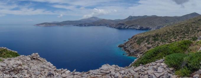 Amorgos, île rocheuse composée de falaises calcaires et abruptes