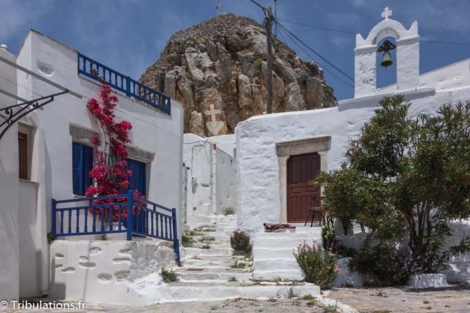 Une des belles petites places à Chora