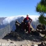 Pause et pose d'une grimpeuse