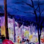 Au fond s'opposent le bleu sombre et la lumière de la ville.